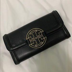 tory burch • wallet
